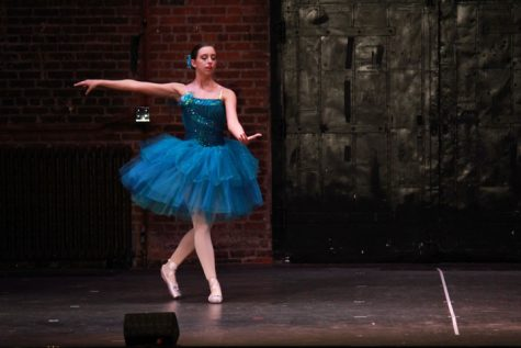 Junior Erica Whipple performs her pointe solo.