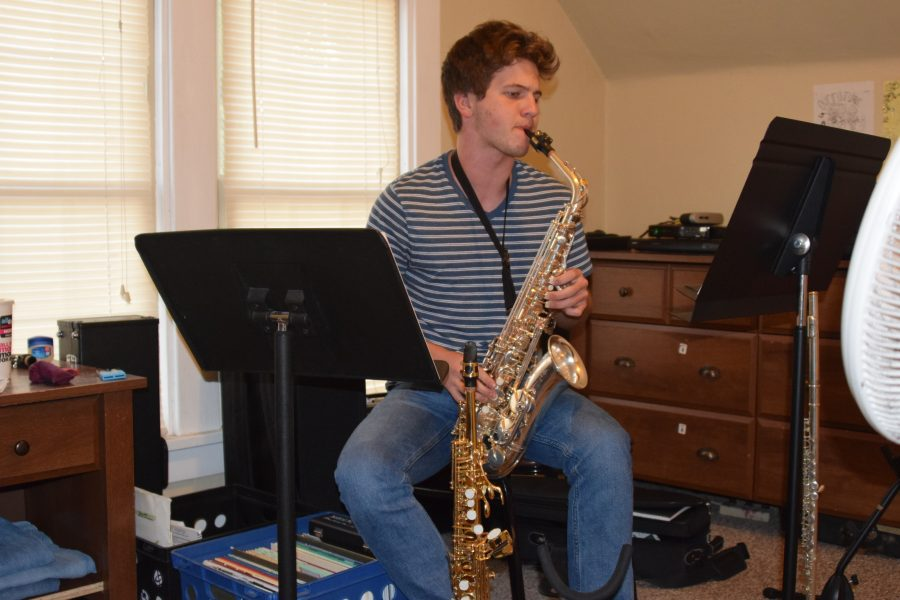 %E2%80%9CMusic+changed+my+life%2C%E2%80%9D+said+Cahill+as+he+practiced+his+alto+saxophone%2C+the+instrument+he+qualified+for+All-State+with.+He+also+plays+an+additional+13++instruments.