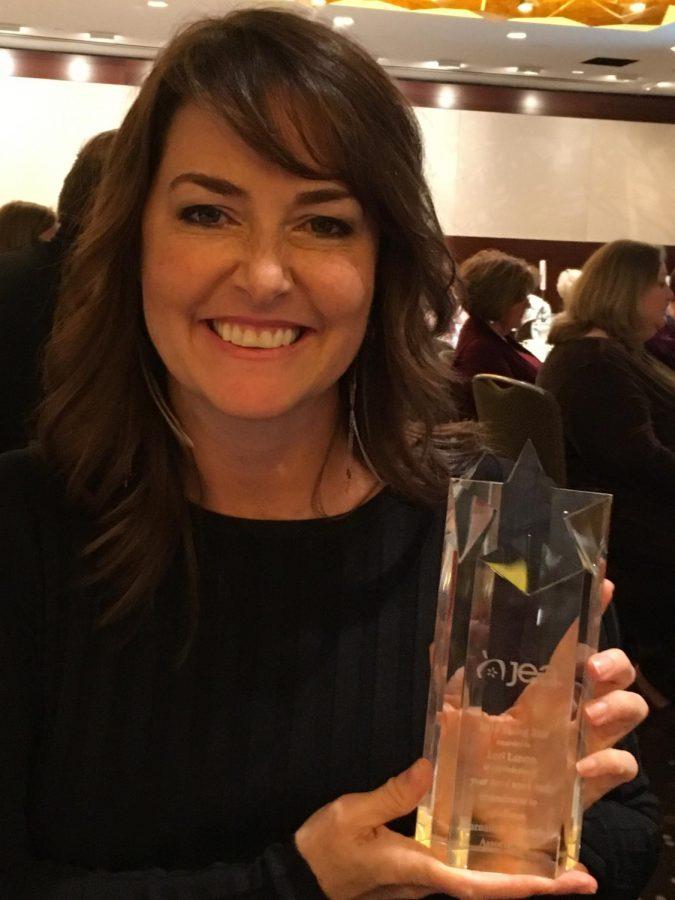 NPHS Journalism adviser, Lori Larson wins a national title.