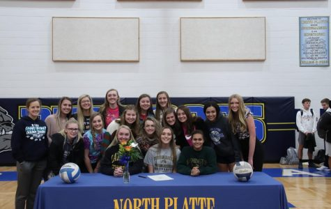 Kelsey Salazar-Allen posing with her NPHS volleyball teammates.