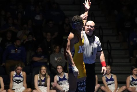 The North Platte Bulldogs went one and one in their duals with Hastings and Scottsbluff. Junior Raymen Riley finished the first dual for the bulldogs with a pin against Scottsbluff. Over half of North Platte wrestlers pinned Bearcat wrestlers, including the lone senior of the team, Gus Kreber.